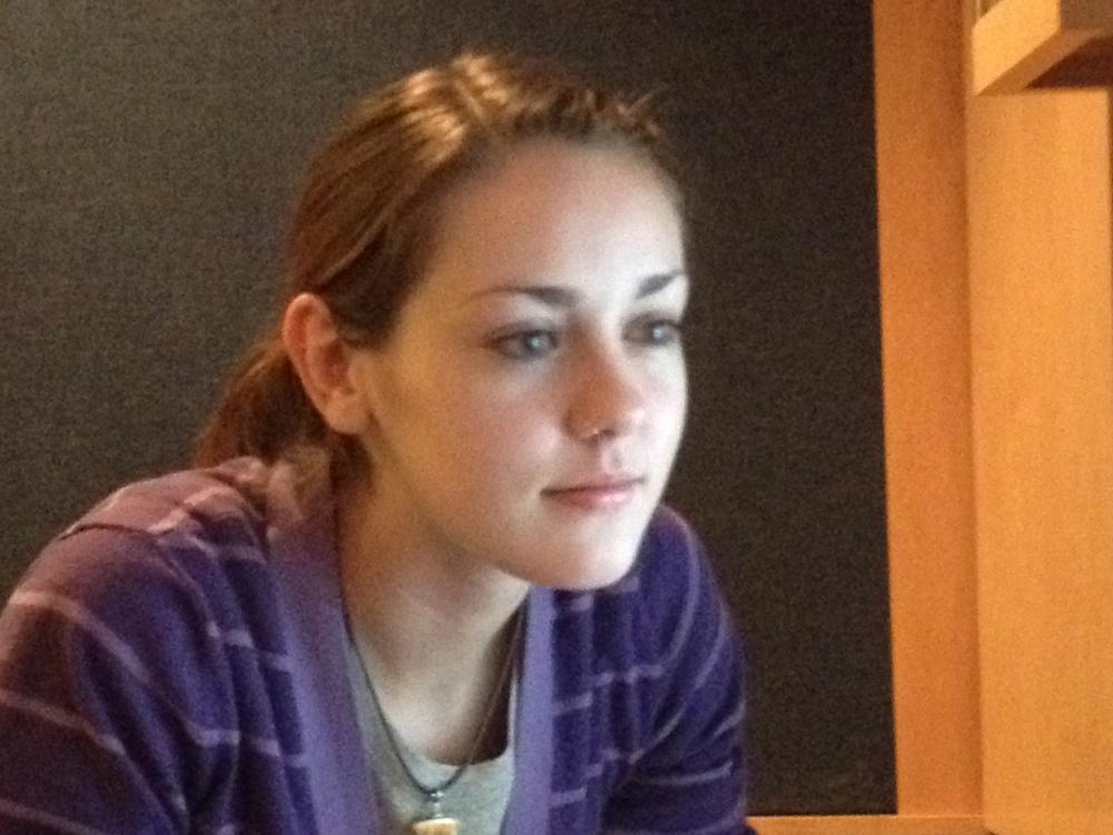 Amanda Whalen Starts Internship at DeBergerac Productions (1/2)